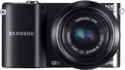 Беззеркальный фотоаппарат Samsung EV-NX1000 Black (EV-NX1000BABRU) - вид спереди