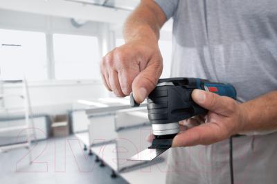 Профессиональный мульти-инструмент Bosch GOP 300 SCE Professional (0.601.230.500) - в работе