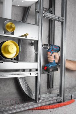 Профессиональная дрель-шуруповерт Bosch GSR 18-2-LI Professional (0.601.9B7.301) - в работе