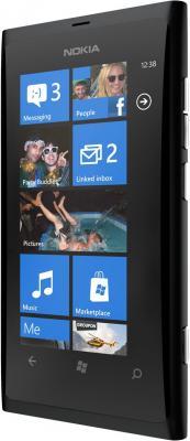Смартфон Nokia Lumia 800 Matt Black - полубоком