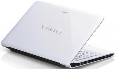 Ноутбук Sony VAIO SVE1111M1RW - Вид сзади