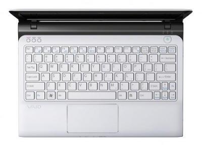 Ноутбук Sony VAIO SVE1111M1RW - Вид сверху клавиатура