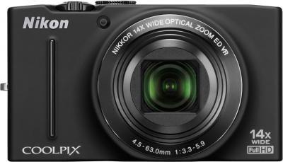 Компактный фотоаппарат Nikon Coolpix S8200 Black - вид спереди