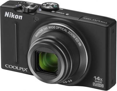 Компактный фотоаппарат Nikon Coolpix S8200 Black - общий вид