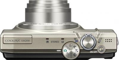 Компактный фотоаппарат Nikon COOLPIX S8200 Silver - вид сверху