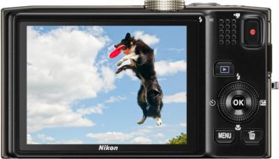 Компактный фотоаппарат Nikon COOLPIX S8200 Silver - вид сзади