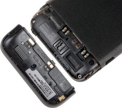 Смартфон HTC One V - вид сзади