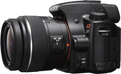 Зеркальный фотоаппарат Sony SLT-A37K - вид сбоку