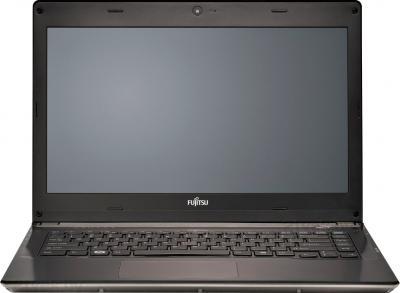 Ноутбук Fujitsu LIFEBOOK UH572 (UH572M0002RU) - фронтальный вид