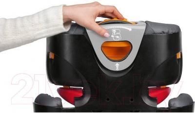 Автокресло Chicco Oasys 2/3 FixPlus (серый) - центральная кнопка регулирования