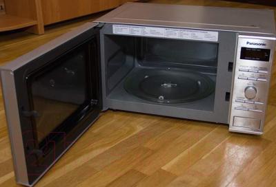 Микроволновая печь Panasonic NN-GD382SZPE - с открытой дверцей