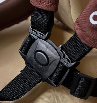 Стульчик для кормления Caretero Primus (коричневый) - ремни безопасности