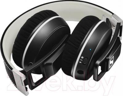 Наушники-гарнитура Sennheiser Urbanite XL Wireless Black - в сложенном виде