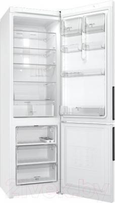 Холодильник с морозильником Hotpoint HF 6200 W
