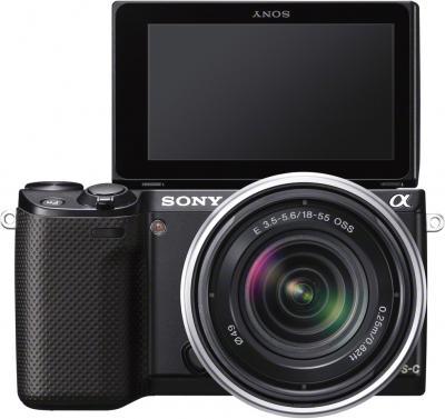 Беззеркальный фотоаппарат Sony Alpha NEX-5RK Black - вид спереди+ поворотный экран
