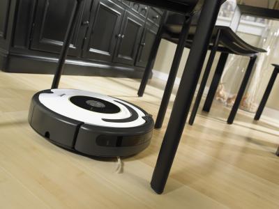 Робот-пылесос iRobot Roomba 620 - в процессе уборки