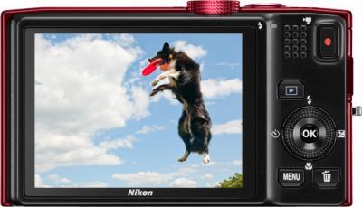 Компактный фотоаппарат Nikon COOLPIX S8200 Red - вид сзади