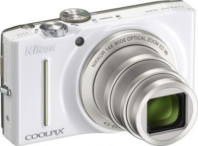 Компактный фотоаппарат Nikon Coolpix S8200 White - общий вид