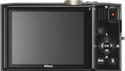 Компактный фотоаппарат Nikon Coolpix S8200 White - вид сзади