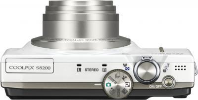 Компактный фотоаппарат Nikon Coolpix S8200 White - вид сверху