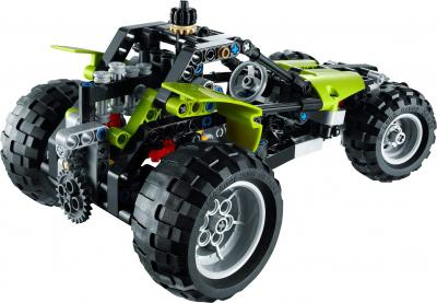 Конструктор Lego Technic Трактор 2 в 1 (9393) - машина вид сзади