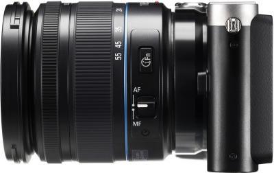 Беззеркальный фотоаппарат Samsung NX210 Kit 18-55mm Black-Silver - вид сбоку