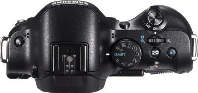 Беззеркальный фотоаппарат Samsung NX20 Kit 18-55mm Black - вид сверху без объектива