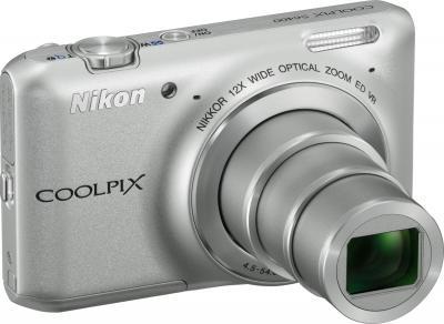 Компактный фотоаппарат Nikon Coolpix S6400 Silver - вид сбоку