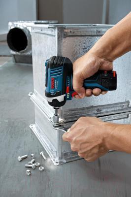Профессиональный гайковерт Bosch GDR 10.8-LI Professional (0.601.9A6.977) - в работе