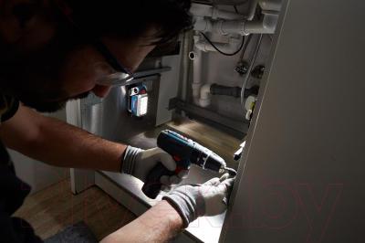 Фонарь Bosch GLI DeciLED (0.601.4A0.000) - в работе
