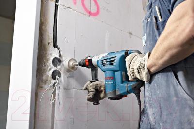 Профессиональный перфоратор Bosch GBH 4-32 DFR Professional (0.611.332.101) - в работе