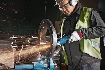 Профессиональная угловая шлифмашина Bosch GWS 13-125 CI (0.601.79E.003) - в работе