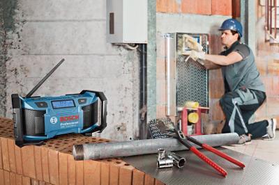 Радиоприемник Bosch GML Sound Boxx (0.601.429.900) - в работе