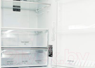 Холодильник с морозильником Hotpoint HF 8201 W O