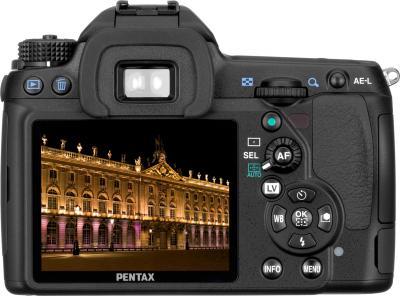 Зеркальный фотоаппарат Pentax K-5 Kit DA 18-55mm - вид сзади