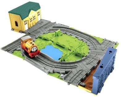 Железная дорога детская Fisher-Price Лакокрасочный завод с Биллом (R9111/W9325) - общий вид
