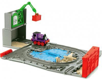 Железная дорога детская Fisher-Price Колин на причале (R9111/R9619) - общий вид