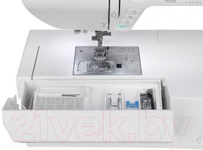 Швейная машина Elna eXcellence 680 - лоток для аксессуаров