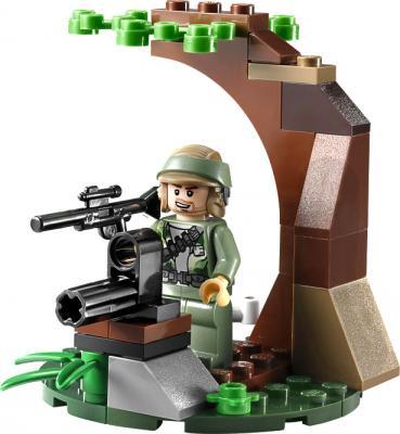 Конструктор Lego Star Wars Повстанцы на Эндоре и штурмовики Империи (9489)  - фигурка