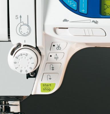 Швейная машина Elna 7300 - рабочая зона