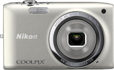 Компактный фотоаппарат Nikon Coolpix S2700 Silver - вид спереди