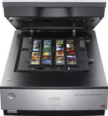 Планшетный сканер Epson Perfection V700 Photo - фронтальный вид (открытый)