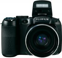Компактный фотоаппарат Fujifilm FinePix S2980 (Black) - общий вид