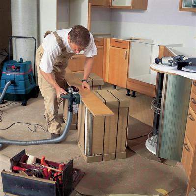 Профессиональный электрорубанок Bosch GHO 26-82 Professional (0.601.594.103) - в работе