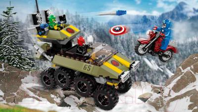 Конструктор Lego Super Heroes Капитан Америка против Гидры 76017