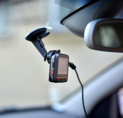 Автомобильный видеорегистратор Mio Mivue 358 - в автомобиле