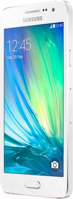 Смартфон Samsung Galaxy A3/ A300F (белый)
