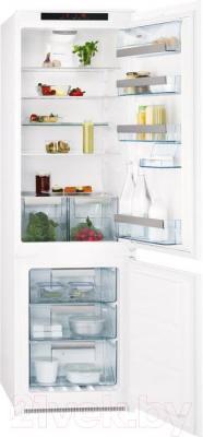 Холодильник с морозильником AEG SCT81800S1