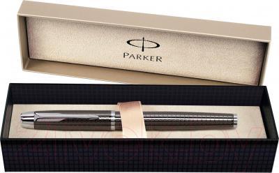 Ручка-роллер Parker IM Premium Dark Grey Chiselled S0908700 - упаковка