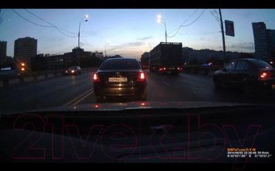 Автомобильный видеорегистратор Mio MiVue 518 - ночная съемка